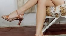 piernas de mujer que esta sentada