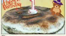 tarta de cumpleanos con una vela de un ano